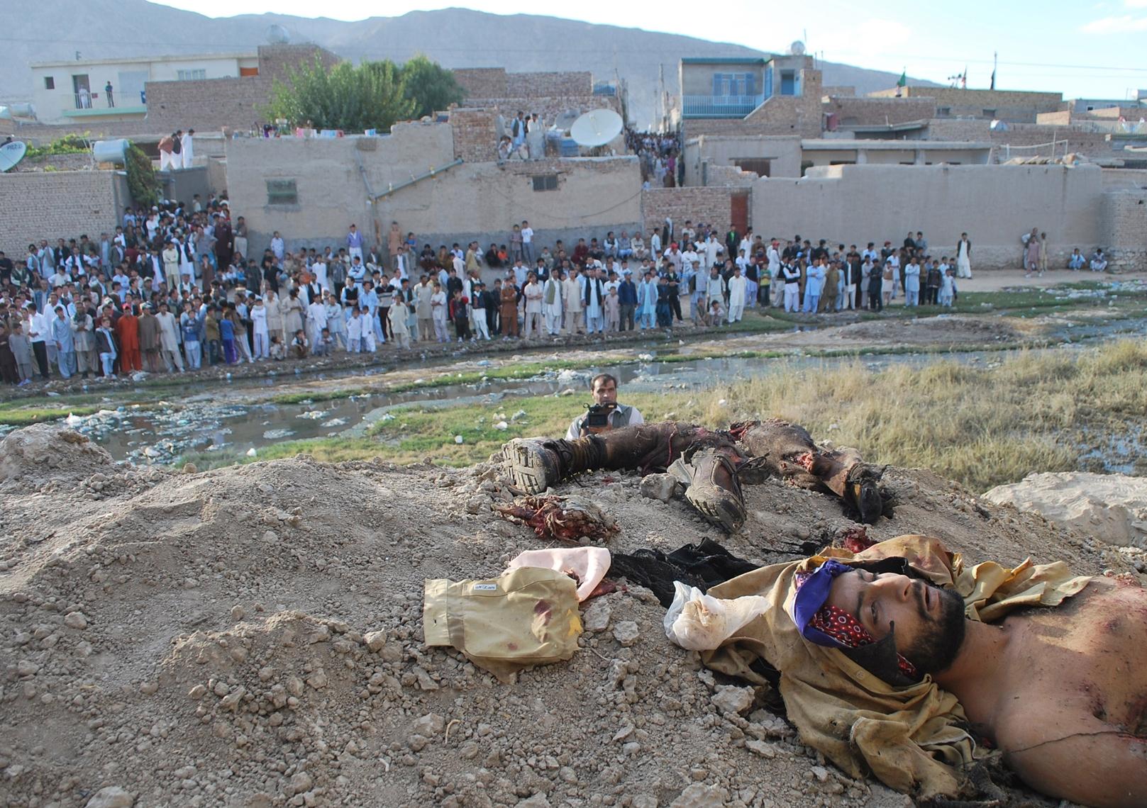 Taliban İntihar Eylemcisi Pakistan Kasım 2011